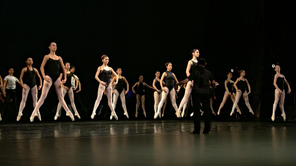center in ballet