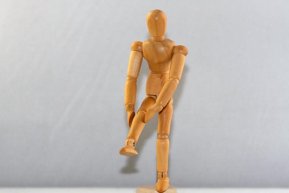 hyperextended knee treatment